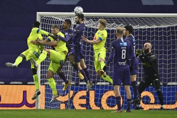 Beerschot en AA Gent schieten met 1-1 gelijkspel niets op in race naar Play-off I