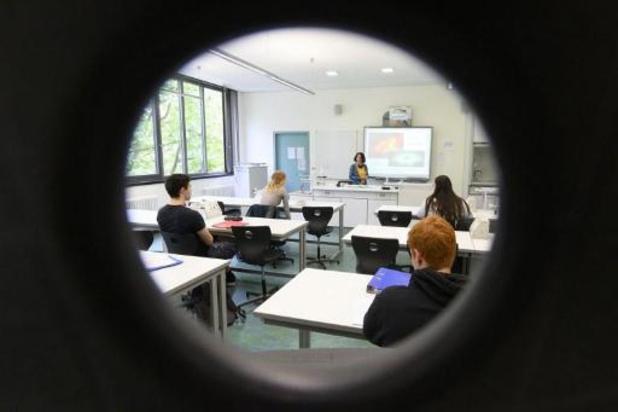 Vlaanderen maakt 4,3 miljoen euro vrij om scholen te compenseren voor ICT-investeringen