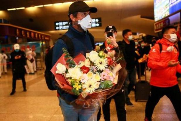 Le club de foot de Wuhan rentre à la maison après plus de trois mois d'absence