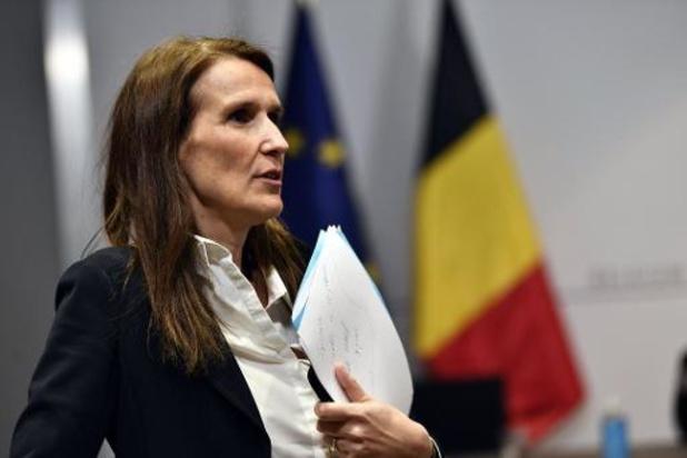 """Un plan fédéral de """"protection sociale et économique"""" présenté samedi aux dix partis"""