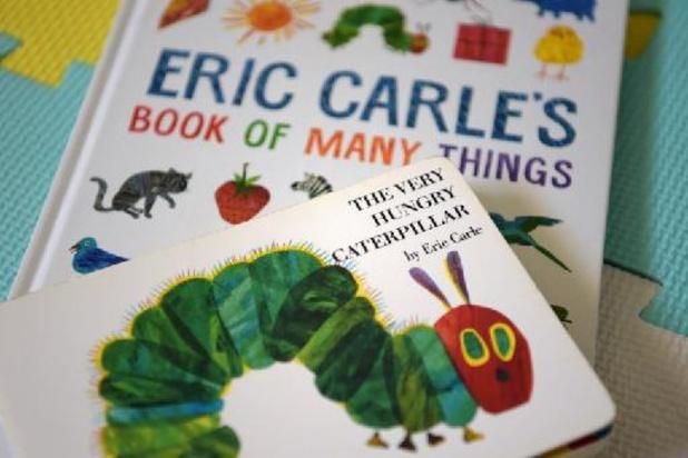 """Décès d'Eric Carle, l'auteur et illustrateur de """"La chenille qui fait des trous"""""""
