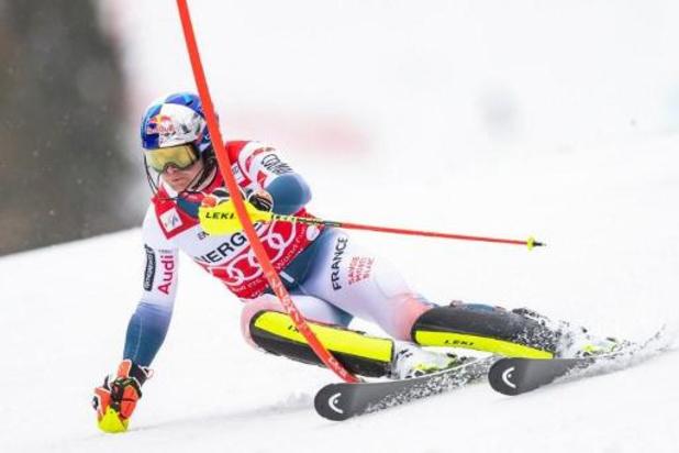 Pinturault domine la première manche du slalom géant de Hinterstoder, Sam Maes abandonne