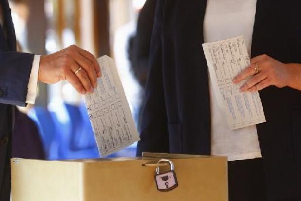 Kanselierskandidaat Laschet blundert met uitbrengen stem