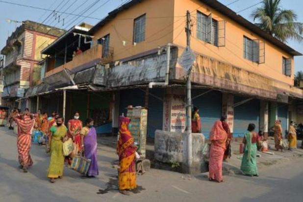 L'Inde réaménage des stades et des wagons en zones et cellules d'isolement