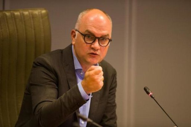 """Groen waarschuwt Demir voor """"politieke spelletjes"""" met gascentrales"""