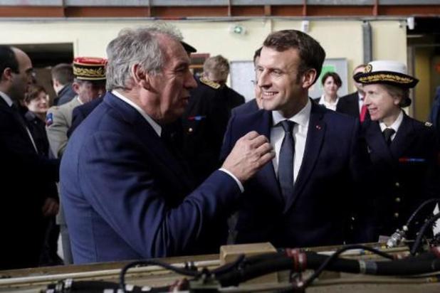 Franse president Macron blijft pensioenhervoming verdedigen