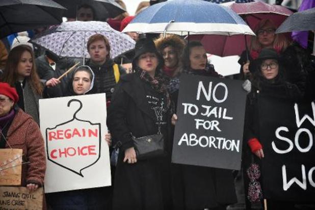 Dépénalisation de l'avortement - Trente ans après sa dépénalisation partielle, l'avortement reste un sujet tabou