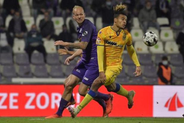 Jupiler Pro League - Sint-Truiden laat Samy Mmaee naar Ferencvaros vertrekken