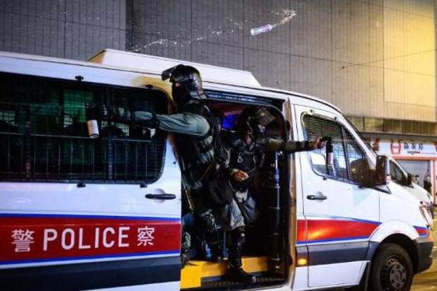 Hongkong-leider Carrie Lam: 'Manifestanten op campus moeten zich overgeven als ze vreedzame oplossing willen'