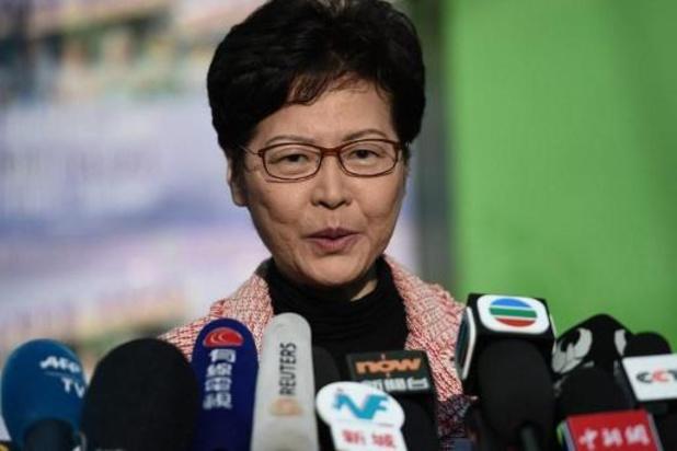 """Onrust Hongkong - Lam belooft """"nederig"""" te luisteren na overwinning van prodemocraten bij verkiezingen"""