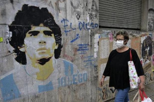 """Coronavirus - """"Hand van God"""" doet het weer: corona behoedt Maradona's club voor degradatie"""
