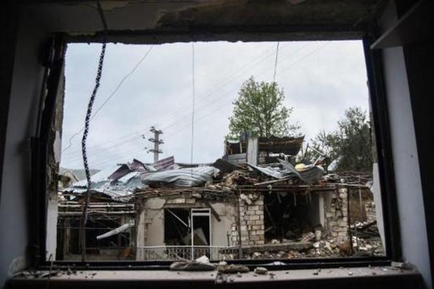 Hoofdstad Stepanakert opnieuw zwaar onder vuur genomen