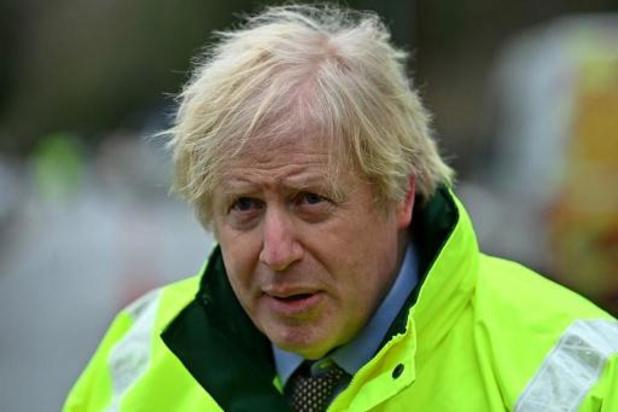 Le gouvernement britannique envisage une indemnité pour les personnes positives au Covid