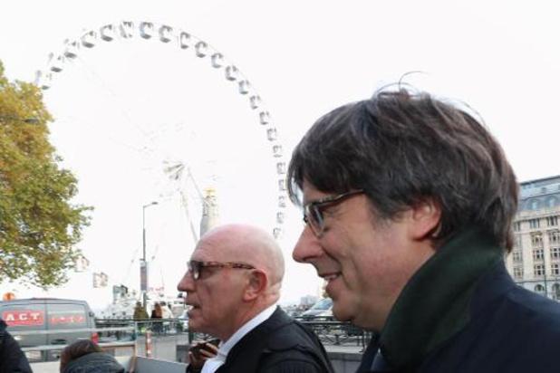 Carles Puigdemont est arrivé avec son avocat au palais de justice de Bruxelles