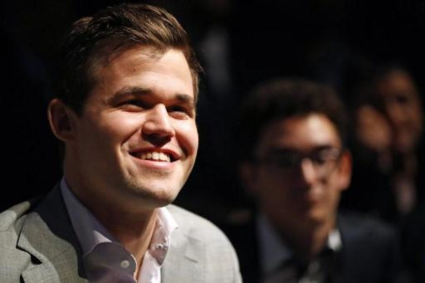 Coronavirus - Wereldkampioen Magnus Carlsen wint eigen online schaaktoernooi