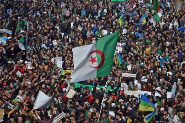 Duizenden Algerijen herdenken start van protest voor hervormingen