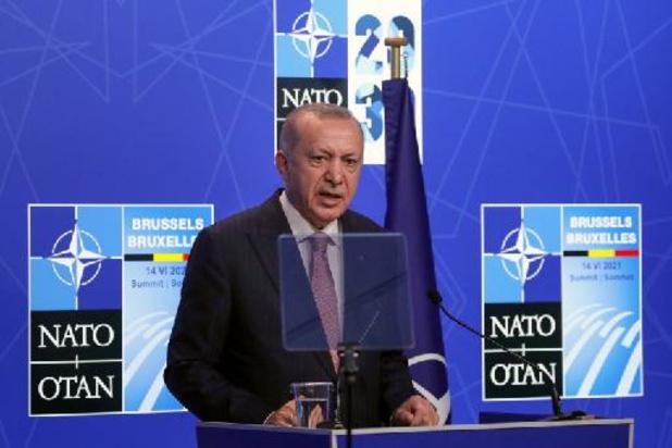 """Erdogan dit avoir eu un premier entretien """"très productif et sincère"""" avec Biden"""