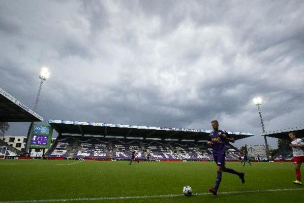 Beerschot leent wingback van Sheffield United