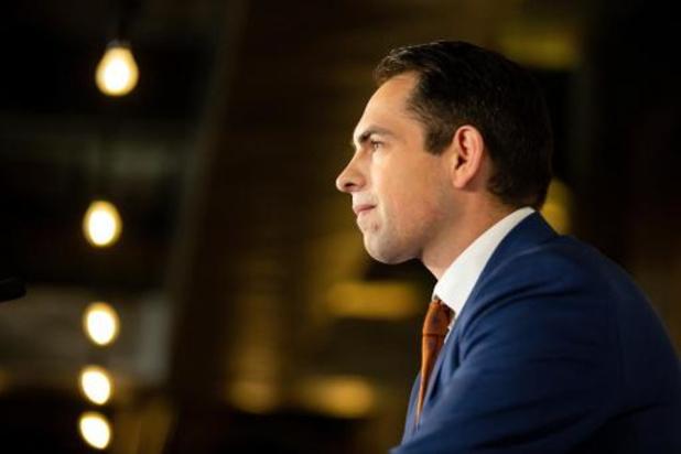 Van Grieken roept Jambon op om rechtstreekse onderhandelingen met Wallonië op te starten