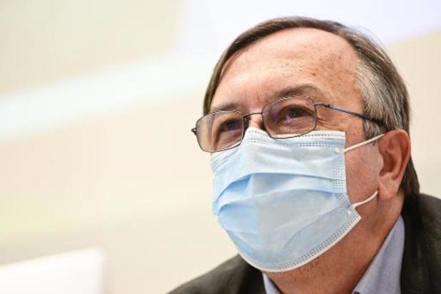 Le port du masque et la distanciation restent obligatoires pour les vaccinés