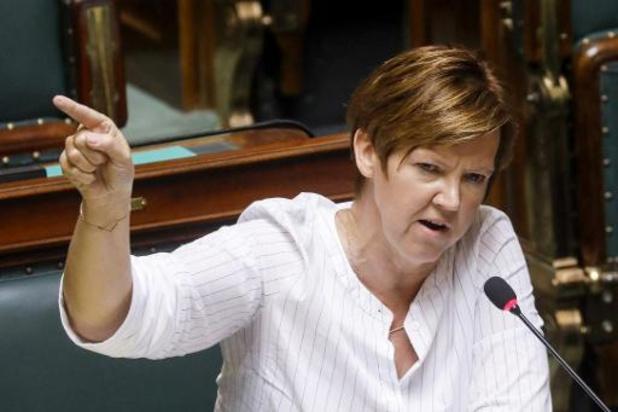 Van Hoof wil gezant voor vrouwenrechten in Belgische diplomatie