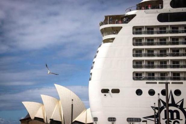 Drie mensen testen positief op cruiseschip voor Sydney