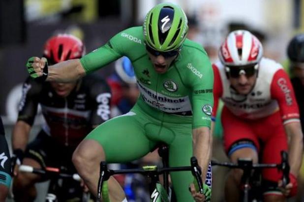 Tour de France - Groene trui Sam Bennett wint slotetappe op de Champs Elysées