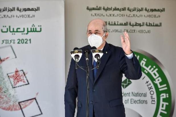 Algérie: nouveau gouvernement, la moitié de l'équipe reconduite