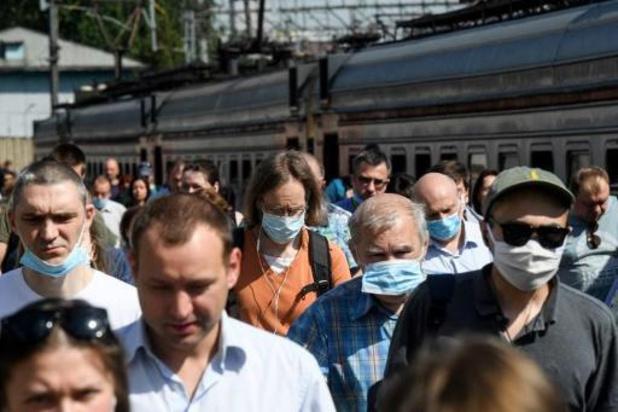 Dodental corona in Rusland stijgt boven 8.000