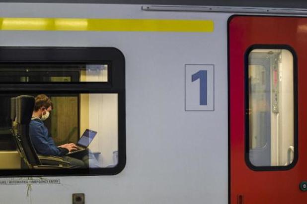 Treinverkeer in zuiden van België ligt nog steeds stil, geen grote problemen in Vlaanderen