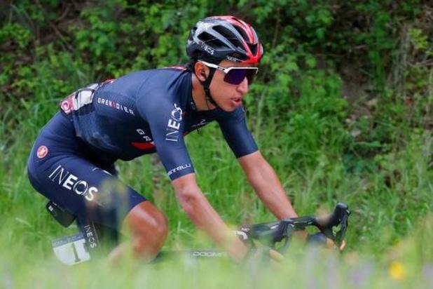 Egan Bernal (Ineos) frappe dans la 9e étape, où il s'impose, et s'empare du maillot rose