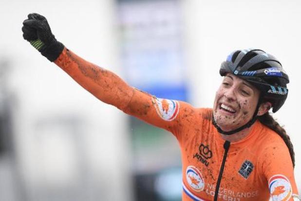WK veldrijden: Lucinda Brand pakt wereldtitel, Nederland domineert bij de vrouwen