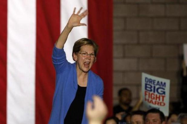 """Senator Elizabeth Warren """"herevalueert"""" haar campagne"""