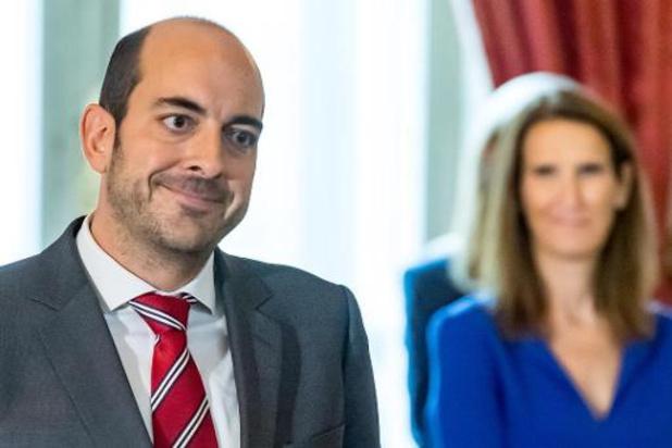 Longtemps dans l'ombre de son frère, Mathieu Michel passe du niveau provincial au fédéral