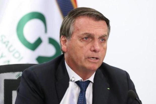 "Déforestation: Bolsonaro fustige des ""attaques injustifiées"""