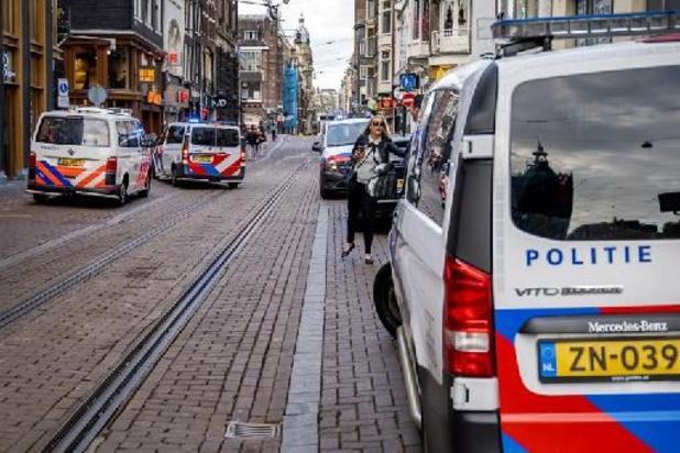 """Nederlandse misdaadverslaggever neergeschoten - Peter R. de Vries """"vecht voor zijn leven"""", drie verdachten opgepakt"""
