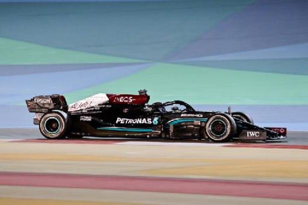 GP van Bahrein: Hamilton houdt Verstappen af en wint WK-opener