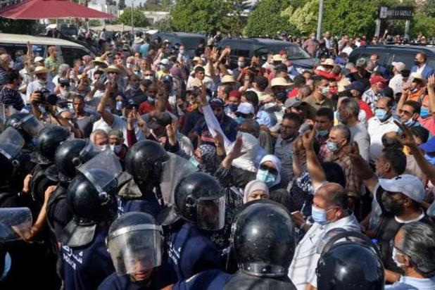 Tunesische president ontslaat ministers van Justitie en Defensie