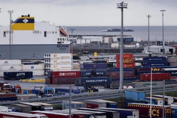 Diepvriezers voor opslag vaccins in Europa aangekomen in Zeebrugge