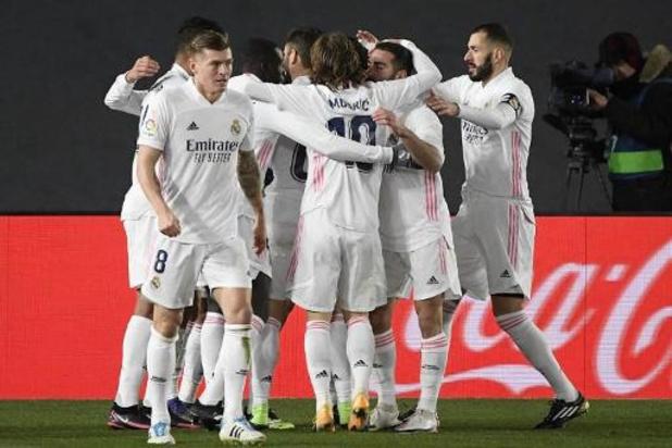 Belgen in het buitenland - Real Madrid, met Courtois en invaller Hazard, wint van Celta en komt voorlopig aan kop