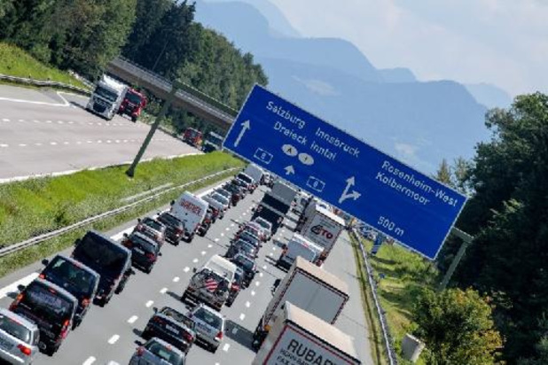 Rood weekend op Europese wegen naar vakantie-oorden