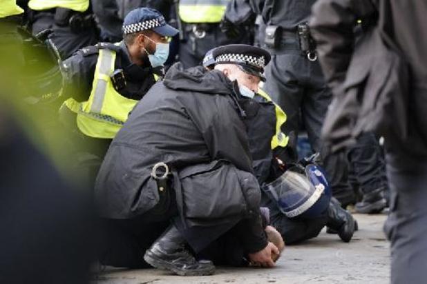 Meer dan honderd arrestaties bij betogingen in Engeland tegen nieuwe politiewet