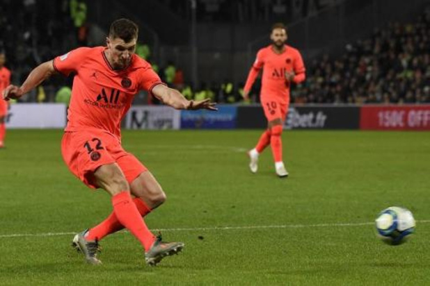 Belgen in het buitenland - Meunier helpt PSG met snelle assist aan plek in halve finales Coupe de la Ligue