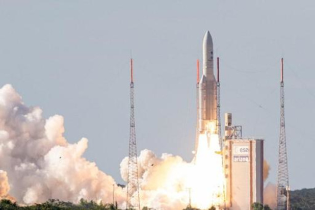 Le lancement de la fusée Ariane 5 à nouveau reporté, à mardi