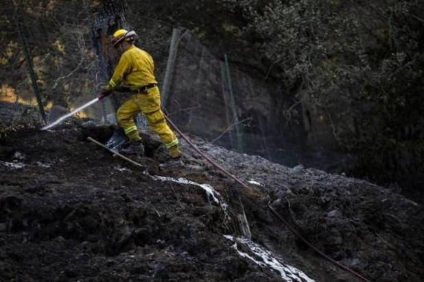 Un nouveau départ de feu dans le sud de la Californie ravagé par les flammes