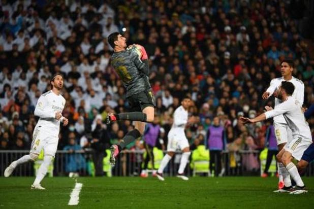 Les Belges à l'étranger - Le Real Madrid, avec Thibaut Courtois, enlève le Clasico et reprend la tête de la Liga