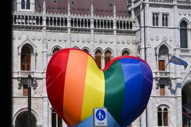 Droits LGBTQI: L'UE entame des procédures d'infraction contre Hongrie et Pologne