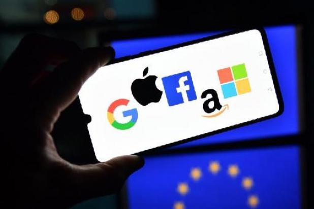La Chambre veut responsabiliser les plateformes et réseaux sociaux