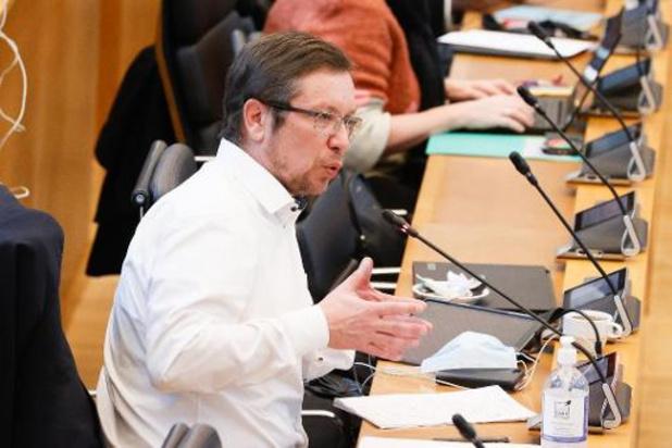 Voyages non-essentiels: l'accord de coopération approuvé en commission du parlement wallon