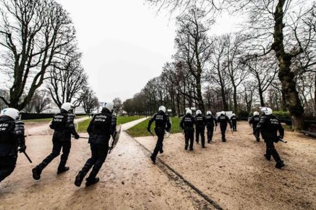 Politie maakt korte metten met betoging tegen coronamaatregelen in Jubelpark